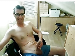 Cute confessor jerkoff exceeding cam